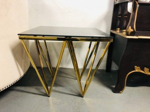 KINSINGTON LAMP TABLE WITH GOLDEN FRAME + BLACK GLASS