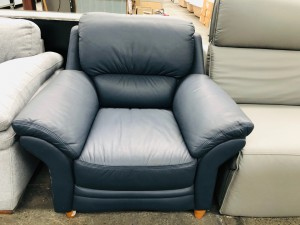SINGLE ARM CHAIR - LEATHER (BLUE) F/S SOLD AS IS