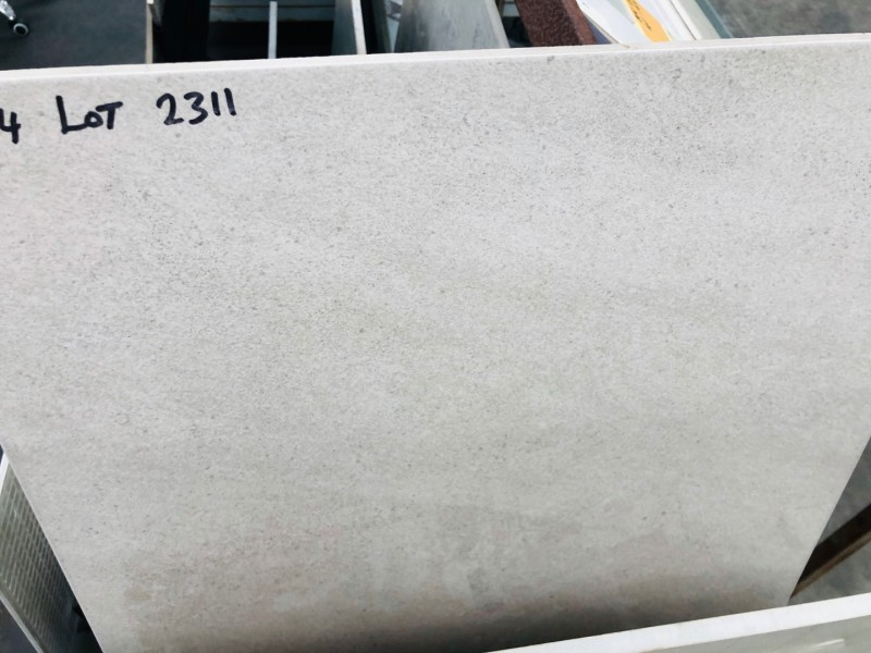 500 X 500 BEIGE OUTDOOR/FLOOR NON-SLIP FLOOR TILES (SOLD PER BOX - 1.25SQM/BOX) ($11.96 ALL-UP/SQM, $14.95 ALL-UP/BOX)