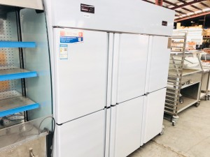 6 DOOR FRIDGE/FREEZER (3 FRIDGES ON TOP & 3 FREEZERS ON BOTTOM) 1840X7735X1950