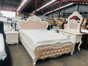 ORNATE PINK & WHITE QUEEN BEDROOM SUITE WITH GAS LIFT STORAGE - QUEEN BED, 2 X BEDSIDES + DRESSING TABLE WITH MIRROR & STOOL