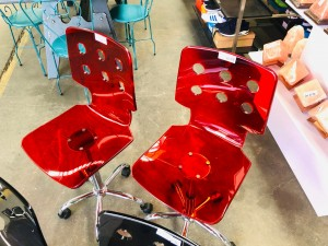 RED OFFICE CHAIRS ON WHEELS