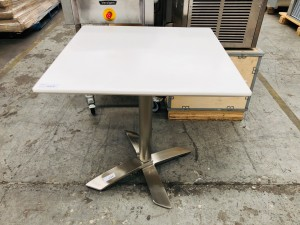 C70 SQUARE 70 X 70 WHITE CAFE TABLE WITH CHROM BASE (NEW) 2BOX/SET
