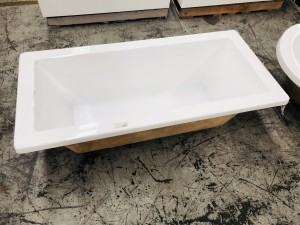 BATHTUB 1500X700X450 ACRYLIC DROP-IN BATHTUB WITH SQUARE EDGES - SMALL #M-BT004A ( DISPLAY MODEL DAMAGE )