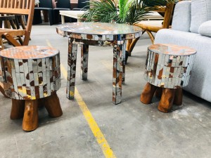 SMALL GLASS MOSAIC TABLE WITH 2 STOOLS