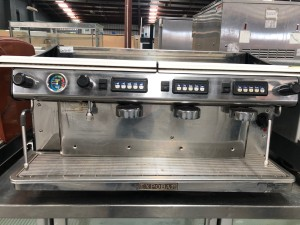 EXPOBAR MEGA CREAM 3 GROUP COFFEE MACHINE (MA-C-3GR) USED