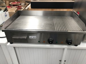 FLAT TOP ELECTRIC GRIDDLE (EG-822) 730X500X230
