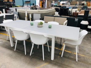 GREY/WHITE GLASS TOP EXTENDING OUTDOOR DINING TABLE 1600/2600 X 1000