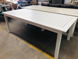 LAWRENCE WHITE EXTENDING OUTDOOR DINING TABLE 2170/3170 X 1000 (1 BOX) RRP $1295