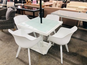 GLASS TOP WHITE OUTDOOR TABLE 815 X 815