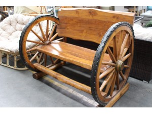SOLID TIMBER WAGON WHEEL BENCH