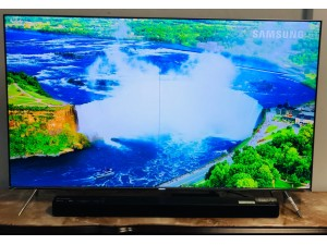 "SAMSUNG 55"" LED 4K SUHD ULTRA HD SMART TV MODEL:55KS8000 (VERTICAL LINE - SOLD AS IS ) INCLUDES 30 DAYS WARRANTY FROM THE DATE OF PURCHASE SN:72077"