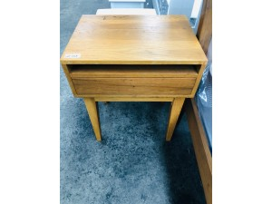 2 X SOLID BEDSIDE TABLES (ONE TABLE HAS A BROKEN LEG) SOLD AS IS