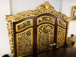 LARGE ORNATE 3 PCE TIMBER DIVIDER/SCREEN - BLACK AND GOLD