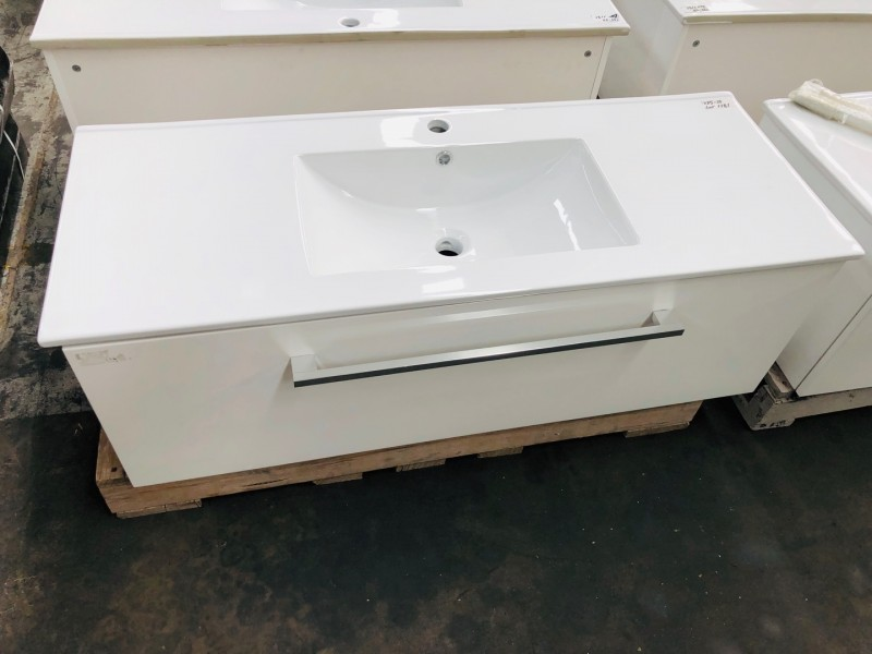 1200MM WALL HUNG #M-V025 LONG SQUARE HANDLE, LONG SOFT CLOSING DRAWER WITH VANITY BASIN SINGLE BOWL #M-G306 450WX15MM THICK (FLOOR STOCK)
