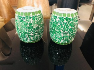 SET OF 2 ROUND MOSAIC CANDLE HOLDERS - ASSORTED COLOURS