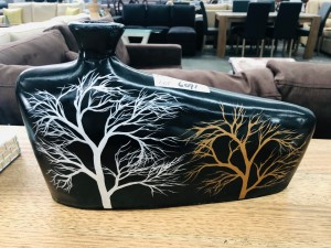VASES WITH TREE PATTERN