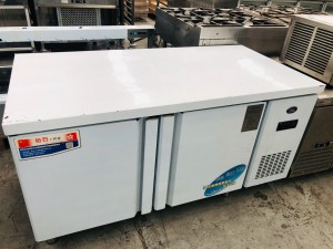 2 DOOR FRIDGE/FREEZER (1 & 1) 1500X760X800