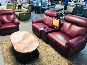 ASHER LEATHER SCOTLAND BURGUNDY 2.5 SEATER ( 2 EBR), (SMART THEATRE CONSOLE), 1 SEATER ELECTRIC RECLINER