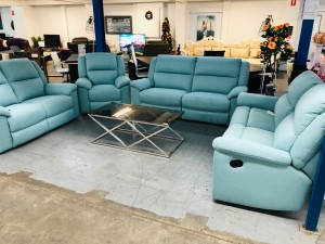 GRIFFIN WINSLOW TEAL FABRIC 2 X 2.5 SEATER WITH RECLINERS AND 1 X 2 SEATER, 1 SEATER RECLINER