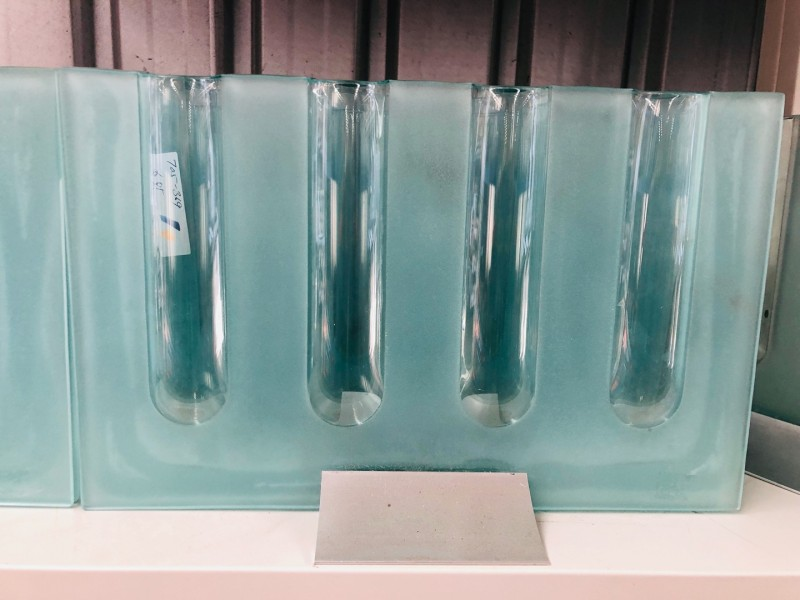 ASSORTED VASES (SIZES & COLOR)