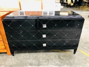 GLOSS BACK DRESSER - 3 DRAWER (DAMAGED)