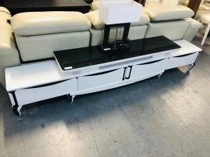 BLACK & WHITE TV STAND