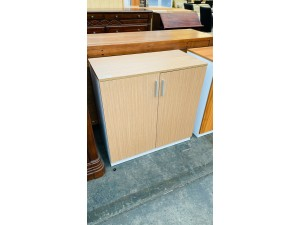 SIGNATURE RANGE BOOKCASE (OAK/WHITE) 800HX800WX400D 2 SOLID HINGED DOORS #CB084