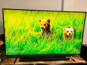 "SAMSUNG 75"" 4K UHD SMART TV - FACTORY SECOND MODEL #UA75RU7100 (C GRADE) COMES WITH 30 DAYS WARRANTY FROM THE DATE OF PURCHASE SERIAL NO:97410"