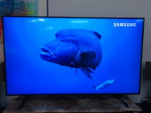 "SAMSUNG 65"" UHD 4K QLED SMART TV MODEL: QA65Q60RAW (VERTICAL LINE - SOLD AS IS) COMES WITH 30 DAYS WARRANTY FROM THE DATE OF PURCHASE SN:102266"
