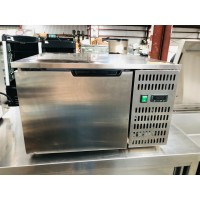 33L COUNTER TOP PLAST CHILLER & FREEZER WITH 3 TRAYS - 660 X 650 X 410MM - ABT3
