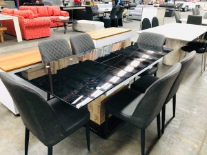 7 PIECE BLACK GLASS EXTENSION TABLE WITH GREY CHAIRS