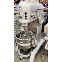 H-600T HOBART DOUGH MIXER WITH 3 ATTACHMENTS - 3 PHASE