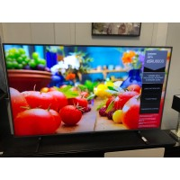 """SAMSUNG 65"""" 4K UHD SMART TV (PRODUCT:UA65RU8000) SOLD AS IS - COMES WITH 30 DAYS WARRANTY FROM THE DATE OF PURCHASE SN:107811 - VERTICAL LINES"""