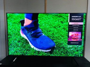 """SAMSUNG 55"""" QLED 4K UHD SMART TV (C-GRADE) PRODUCT:QA55Q60TAW SOLD AS IS - COMES WITH 30 DAYS WARRANTY FROM THE DATE OF PURCHASE SN:106799 - LINE ON SCREEN"""