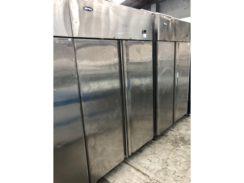 STAINLESS 2 DOOR UPRIGHT FRIDGE USED SOLD AS IS - IN WORKING CONDITIONS BUT STILL TESTING FOR GAS LEVEL - NOT FOR SALES UNTILL MONDAY 31/05