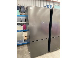 SAMSUNG 458L BLACK BOTTOM MOUNT REFRIGERATOR MODEL: RL40B4SBAB1 (SRL459MB) SERIAL: 114346 *LCD HAS DEFECT* - SOLD AS IS - INCLUDES 30 DAY WARRANTY FROM DATE OF PURCHASE