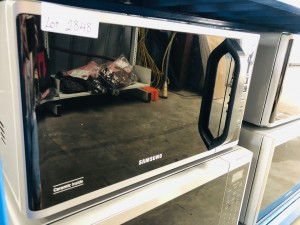 SAMSUNG 23 LITRE 800 WATT MICROWAVE (PRODUCT:MS23K3513AS) SOLD AS IS - COMES WITH 30 DAYS WARRANTY FROM THE DATE OF PURCHASE SN:107397