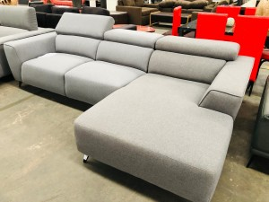 LINCOLN 2.5 SEATER RHF CHAISE IN FABRIC