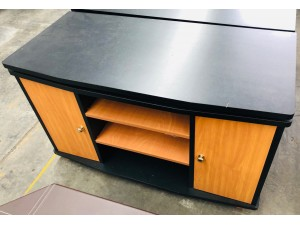 BLACK TOP TV STAND