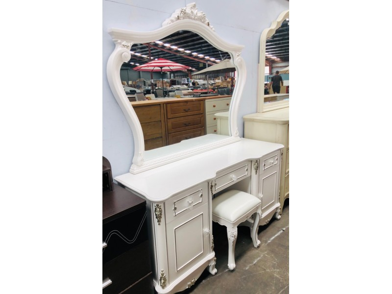 ANTOINE DRESSING TABLE WITH MIRROR AND STOOL