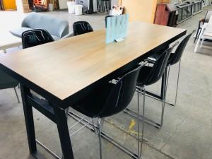 STYLISH DURHAM BAR TABLE