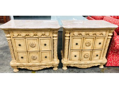 PAIR OF MAJESTIC BEDSIDES WITH MARBLE TOP